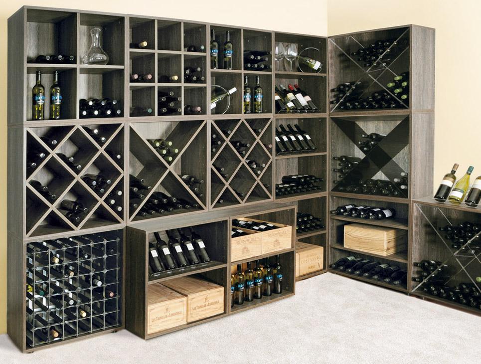 Scaffale per scaffali per vino in metallo con retro in metallo a